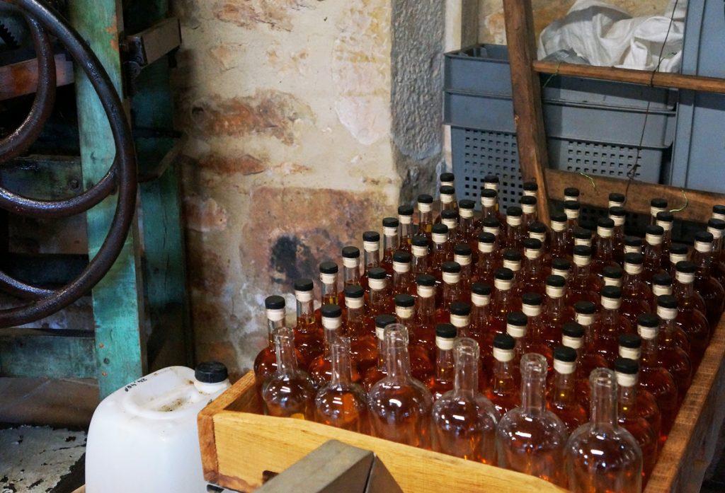 huile de noix moulin de maneyrol