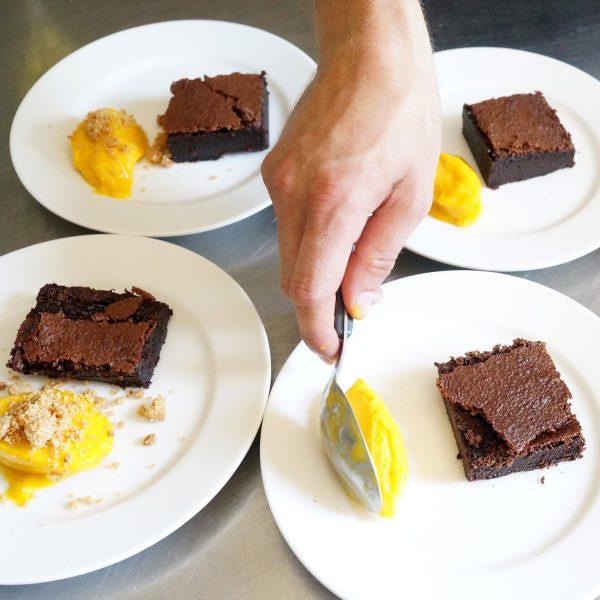 buffet-dinatoire-dessert-mimi-canette-chef-traiteur-epicerie-fine-beaune